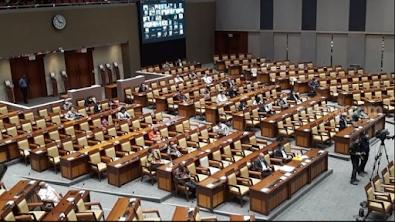 Usai Sahkan UU Cipta Kerja, Belasan Anggota DPR Positif Covid-19