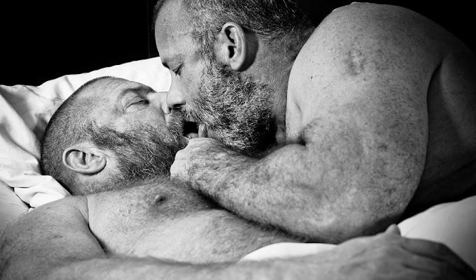 Coronavírus e sexo: tudo que os gays precisam saber