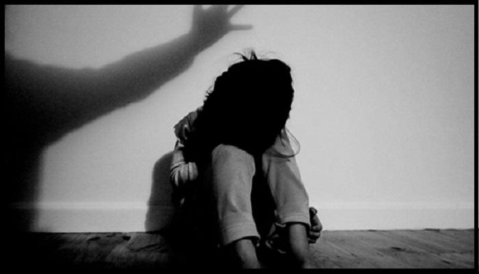 பாலியல் தொழிலுக்காக 15 வயது சிறுமி விற்பனை: துறவி ஒருவர் உட்பட 17 பேர் கைது
