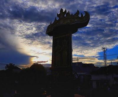 Tugu Siger Lampung di Teluk Betung