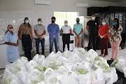 Prefeitura doa kits do Banco de Alimentos de Rosário do Catete