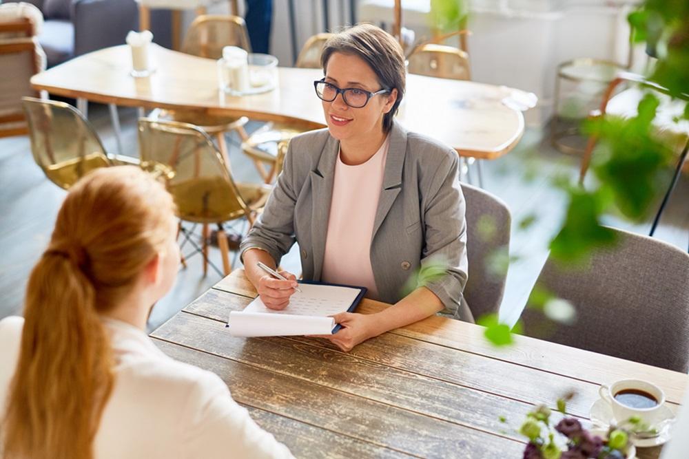 Como se preparar para a primeira entrevista de emprego?