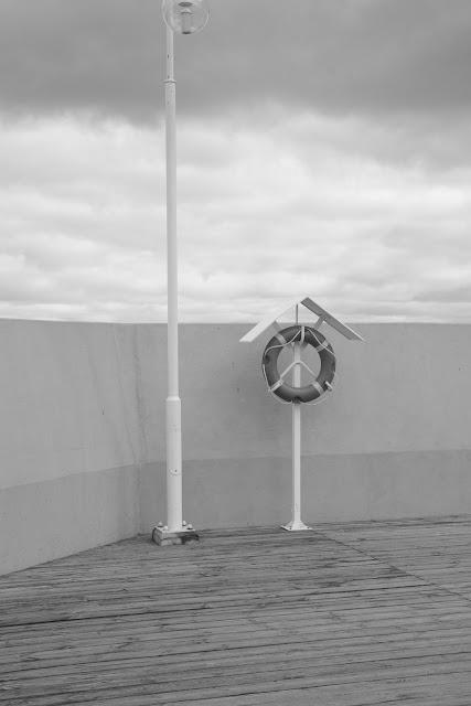 Fotografia abstrakcyjna. Molo w Sopocie. fot. Łukasz Cyrus