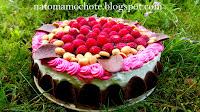 http://natomamochote.blogspot.com/2017/07/czekoladowy-tort-rocher-z-malinami.html