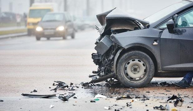 حوادث الطرق السريعة أثناء القيادة
