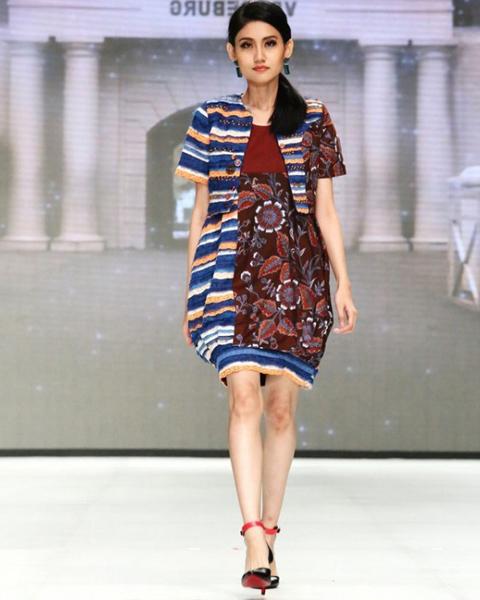 model baju lurik wanita modern
