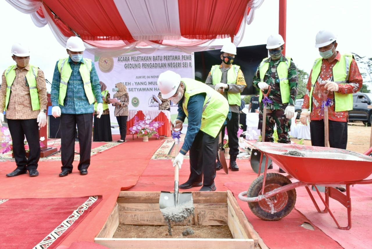 Pjs. Bupati Sergai Menghadiri Ground Breaking Pembangunan Gedung PN Sei Rampah