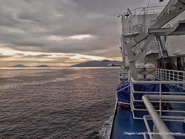 No mar Egeu, caminho para Rodes