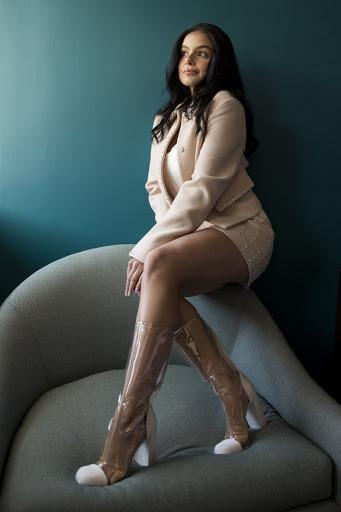Ariel Winter beutiful fashion model photo shoot