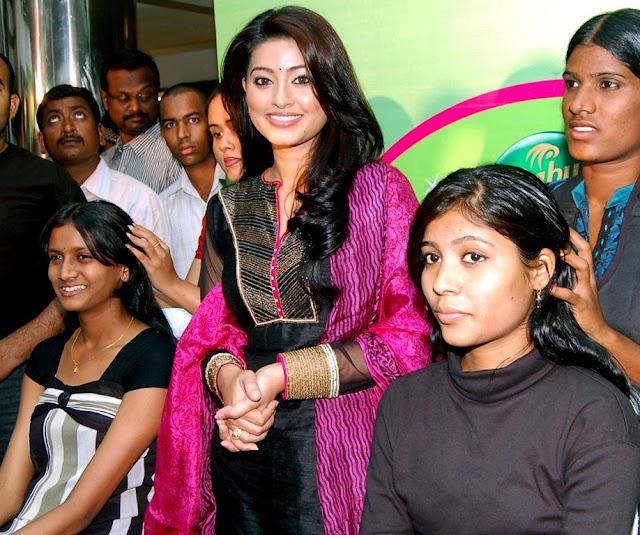 Sneha Stills Murattu Kaalai Sneha Upcoming Tamil Movie: Sneha Latest Stills Cute Photogallery At Dabur Oil Massage