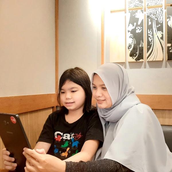 Menikmati  Dongeng Cerita Bergambar Sekaligus Belajar Berbagai Bahasa Bersama Let's Read