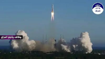 """المصدر: sputniknews نجح علماء فلك في التقاط أول صورة للصاروخ الصيني الخارج عن السيطرة """"لونج مارش 5 بى""""، حيث ظهر فى سماء إيطاليا كبقعة ضوء متوهج. وقال موقع """"سبيس"""" إن صورة الصاروخ الصيني التقطت أثناء مروره فوق التليسكوب الآلي الخاص بمجموعة """"إيلينا"""" فى إيطاليا. وأفاد علماء إيطاليون، بأن الصاروخ كان يتحرك بسرعة كبيرة عندما حلّق على ارتفاع 700 كم فوق مشروع التلسكوبات الافتراضى.وصرح غانلوكا ماسي، وهو العالم الذي التقط الصورة، بأنه """"في حين كانت الشمس على بعد بضع درجات تحت الأفق، كانت السماء مشرقة بشكل لا يصدق، الأمر الذى جعل ظروف التصوير صعبة جدا، ولكن نجح التلسكوب الآلى في تصوير الصاروخ الضخم. وتابع: """"هذا نجاح باهر آخر، يُظهر القدرات المذهلة لمنشأتنا الآلية في تتبع هذه الأشياء، كما ترون، يوجد في الجزء السفلي من الصورة الساطعة للصاروخ تأثير ازدهار نموذجي CCD، بسبب السطوع الشديد للجسم"""". وفي وقت سابق، نشرت القوات الجوية الأمريكية على موقع""""سبيس تريك"""" اليوم الجمعة، توقعاتها بشأن الصاروخ، مشيرة إلى أن الصاروخ سيدخل الغلاف الجوي للأرض يوم 9 مايو/أيار فوق تركمانستان. ووفقا للجيش الأمريكي، سيدخل الصاروخ الغلاف الجوي يوم 9 مايو/أيار الجاري في الساعة 2.13 بتوقيت موسكو، فوق تركمانستان عند إحداثيات 38.1 درجة شمالا وخط طول 62.5 درجة شرقا. كان الجيش الأمريكي قد توقع سابقا سقوط الصاروخ فوق الجزء الجنوبي للمحيط الهادئ بمنطقة ليست بعيدة عن نيوزيلندا."""