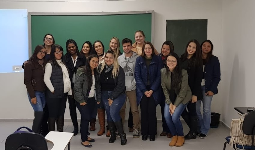 BOLETIM UNIFSP - Alunos de Serviço Social assistem palestra de aluna egressa