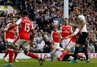 Arsenal Tumbang di Kandang Spurs (Video Gol)
