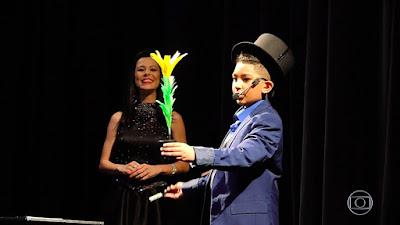 João Vitor apresentou seu show de mágica para toda a escola — Foto: TV Globo