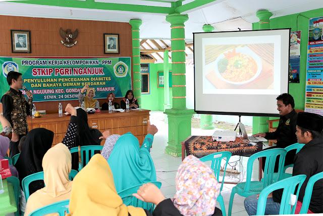 Penyuluhan Pencegahan Diabetes dan DBD oleh Mahasiswa KKN-PPM STKIP PGRI Nganjuk di Desa Ngujung Kec. Gondang