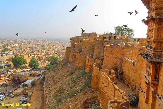तीसरा दिन: जैसलमेर में मस्ती तो है