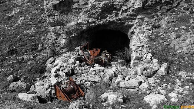 Travesía a las Tres Marías y Peña Esquina + Ferrata Peña del Castillo, saliendo de Casares y finalizando en Cubillas de Arbas en León.