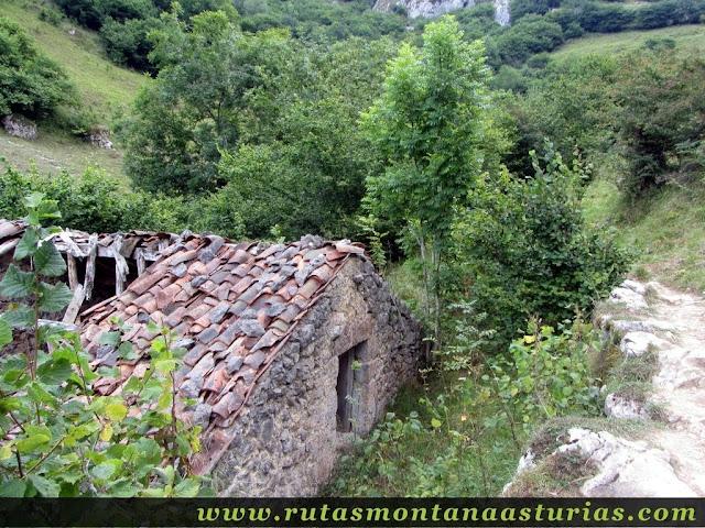 Ruta Caín Terenosa: Subiendo a Pandébano, cabaña