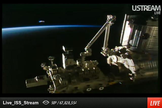 Enorme OVNI/Nave Extraterrestre Captado en la Transmisión ONLINE HD ...