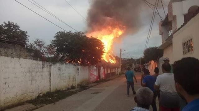Hoy se cumple un año del voraz incendio que consumio casa de palma en Juande Acosta