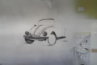 Malowanie VW garbusa na ścianie, mural ścienny, kultowe auto, Wystrój sali języka niemieckiego, malowanie murali na zamówienia