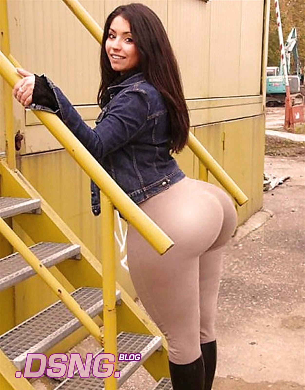 Nice Wide Ass 28