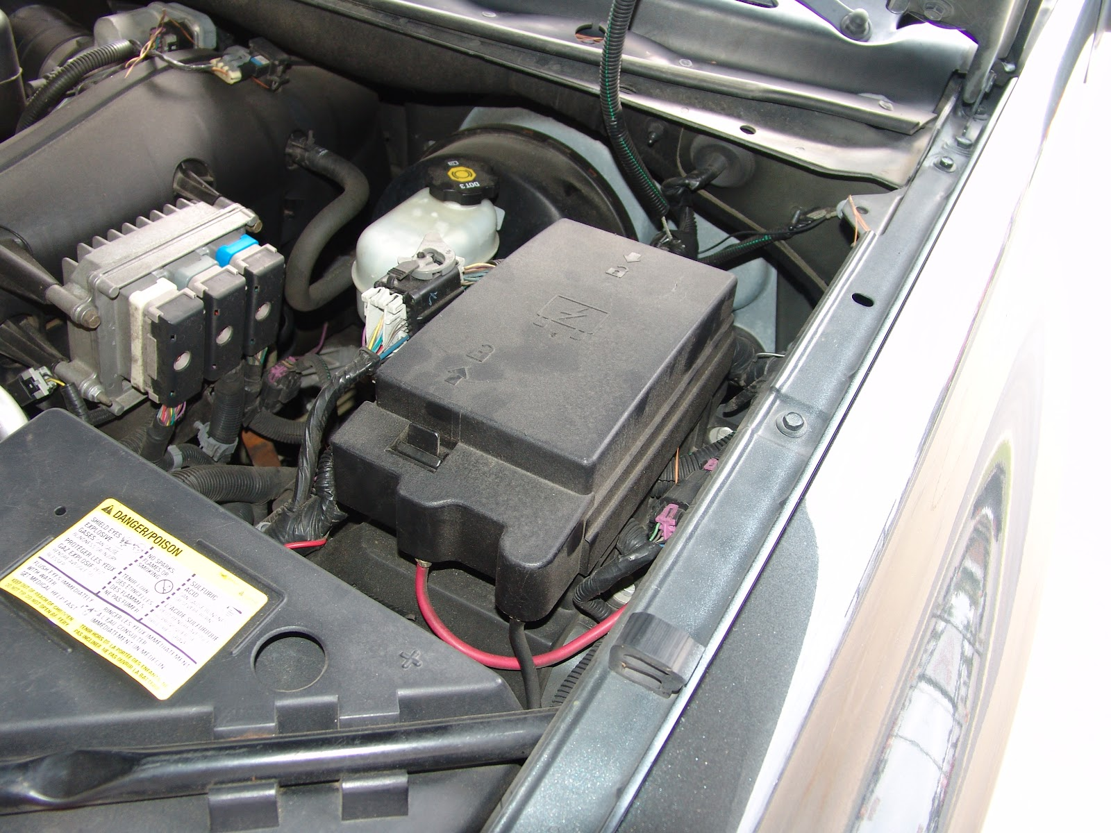 2006 Trailblazer Under Hood Fuse Box 36 Wiring Diagram Images For A Starter Location On 2002 Chevy
