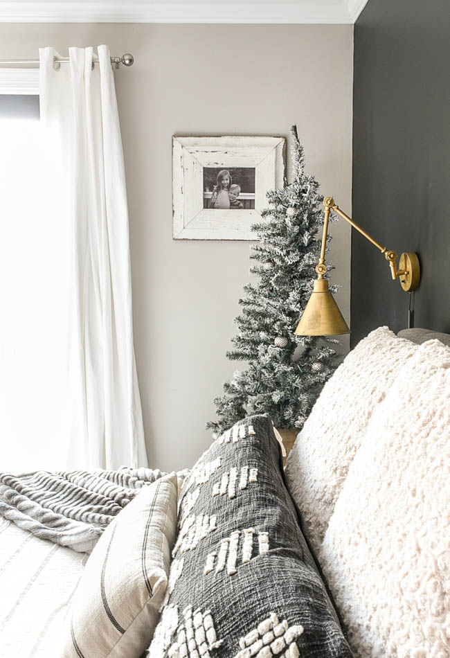 Neutral rustic luxe holiday decor