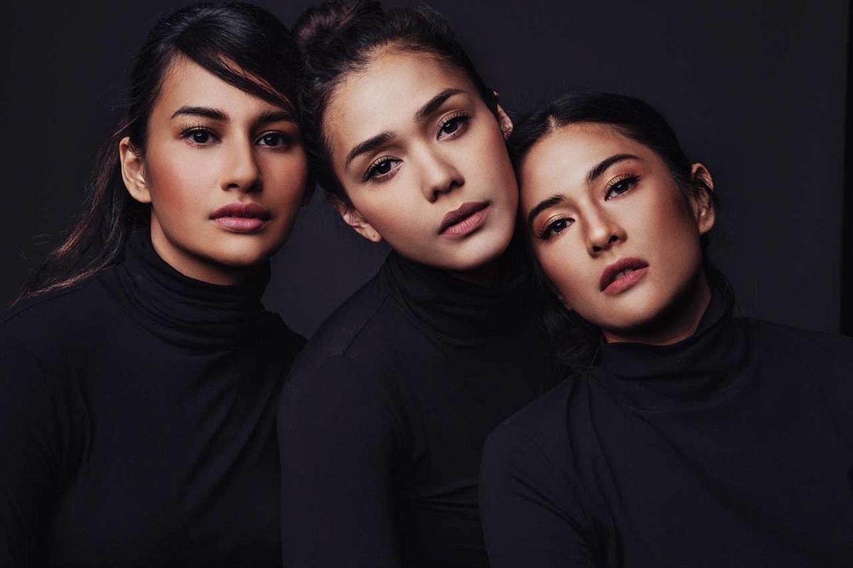 Tiga artis cantik dan seksi berkulit coklat Adinia Wirasti