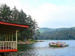 7 Tempat Wisata yang Terkenal di Bandung - Wisata Danau Situ Patenggang