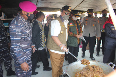 Posko Serbaguna Brigif 4 Mar/BS Siapkan 1000 Paket Makanan bagi Warga yang Isoman