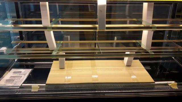 Tủ trưng bày bánh gato 3 tầng kính vuông