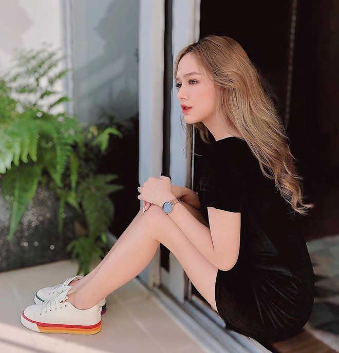 Bạn gái của streamer siêu giàu Xemesis: mặc sexy nhưng không lố, lại biết makeup rất xinh