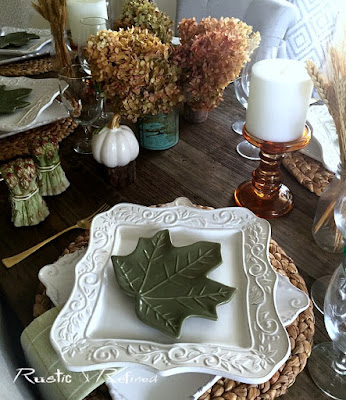 Neutral Fall Tablescape to brighten up the dining room and entertain family and friends.