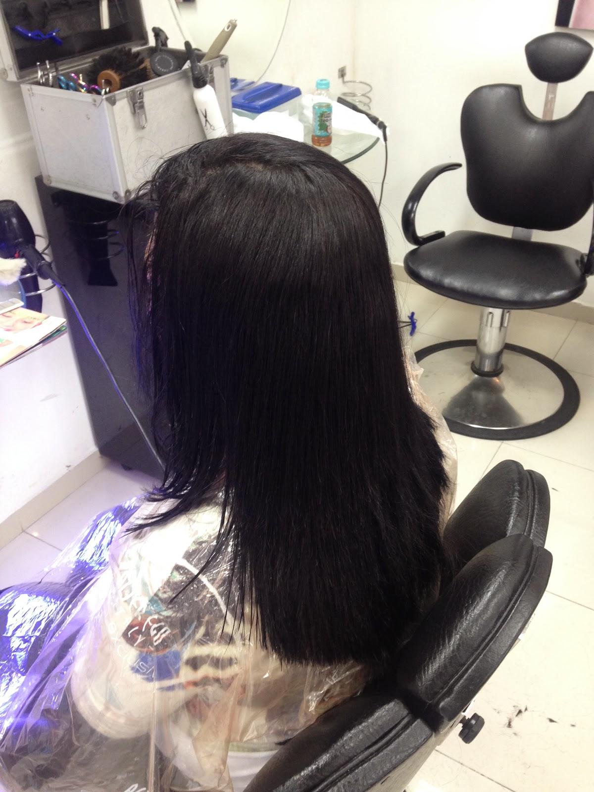El ácido de nicotina y el aceite de bardana para los cabellos