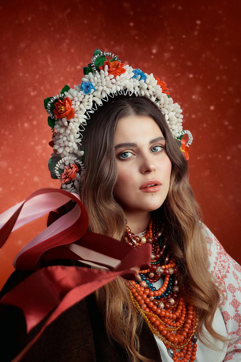 Александра Зарицкая: Солистка Группы «KAZKA»
