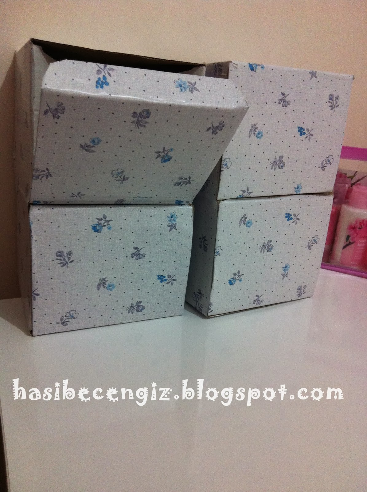 kutu etkinliği, kupa kutusu, kutu kaplama, yapışkanlı kağıt, makas, kalem,