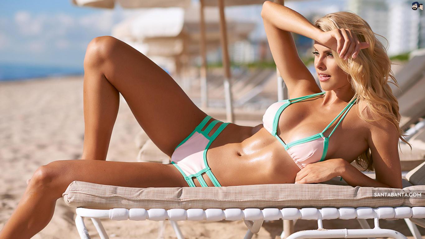 Natalie Roser in Bikini Latest Wallpaper