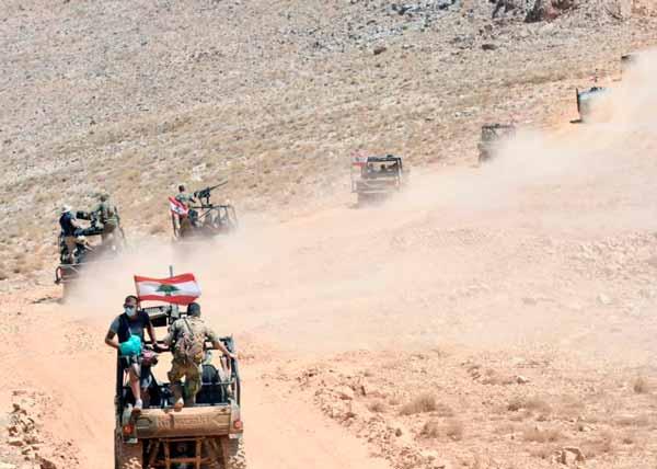 الجيش اللبناني يزيل أنابيب لتهريب المازوت عند الحدود مع سوريا ...
