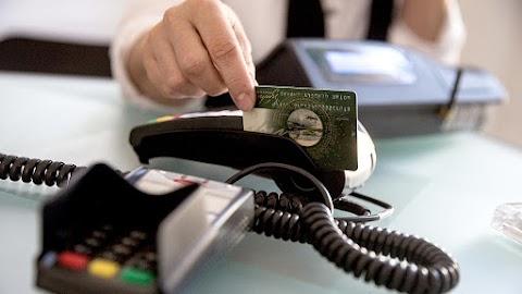 Változik a SZÉP-kártya: 60 nap a haladék, amit a bankok meghosszabbíthatnak