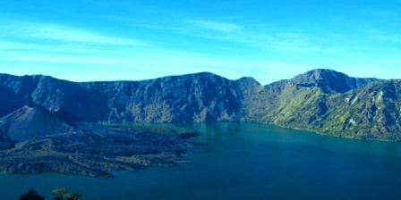 Gunung Rinjani gunung rinjani gunung rinjani meletus gunung rinjani terletak di gunung rinjani