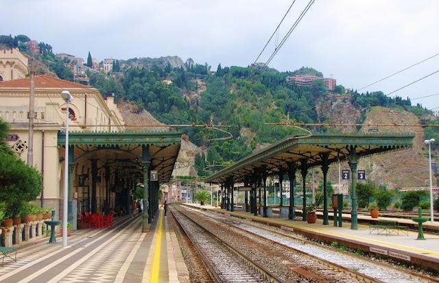 Estação de trem Taormina-Giardini