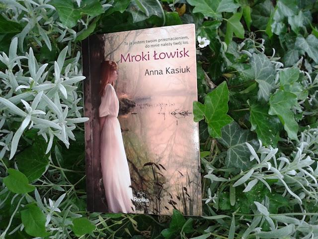 http://annasikorska.blogspot.com/2017/05/anna-kasiuk-owiska-tom-2-mroki-owisk.html