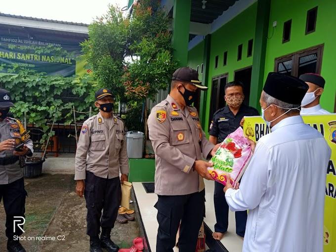 Bakti Sosial Ditengah Pandemi, Kapolsek Balikpapan Utara Berikan Bantuan Paket Sembako di Yayasan Cahaya Al Quran Balikpapan