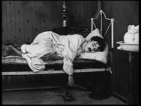 """Кадр из к/ф Чарли Чаплина """"Солнечная сторона"""" / Sunnyside (1919) - 2"""