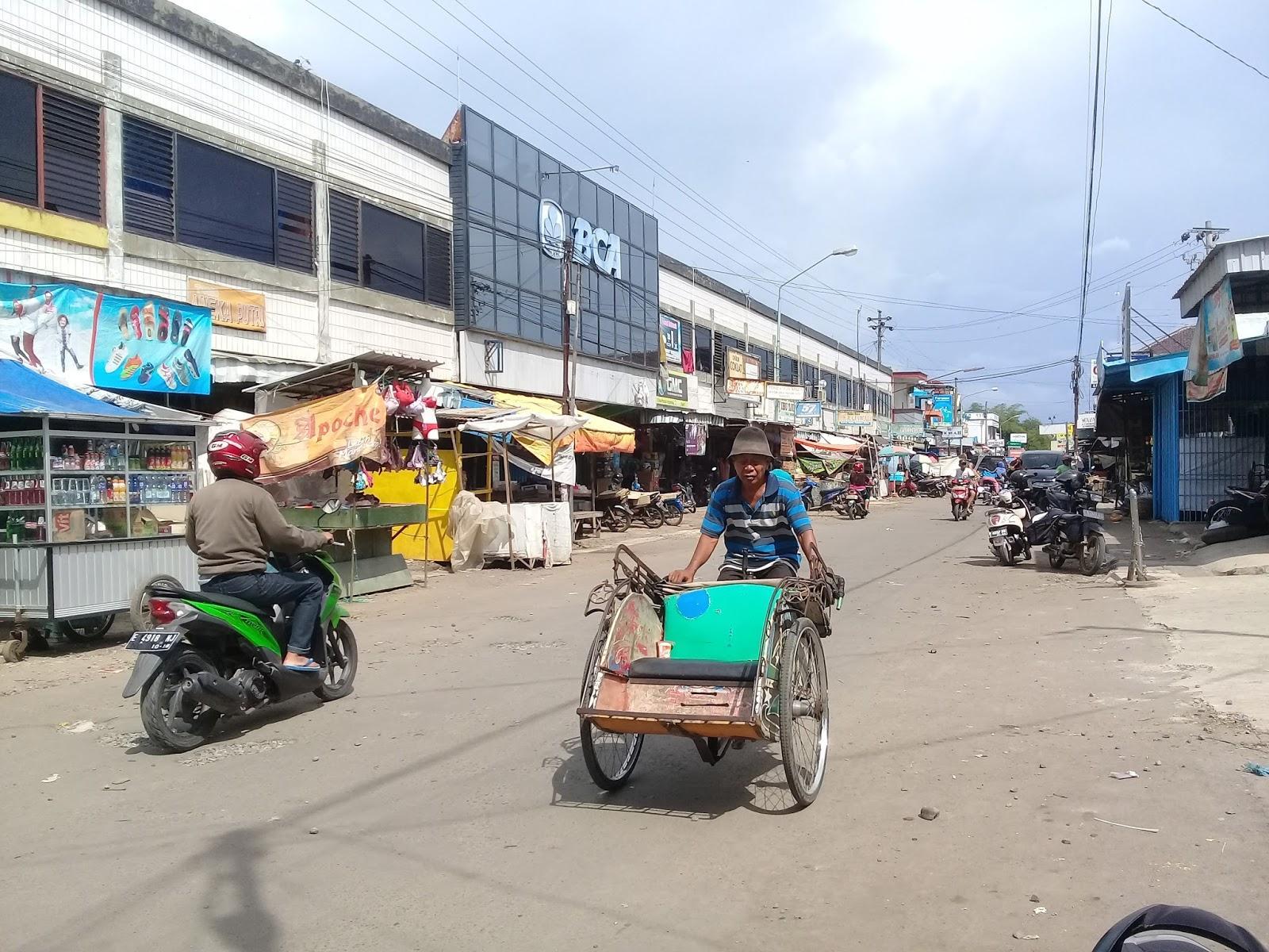 GALLERY Pasar Ketanggungan Pusat Perekonomian Terbesar Di
