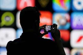 فيسبوك يتجسس على مالكي أجهزة iPhone من خلال إطلاق الكاميرا سرية