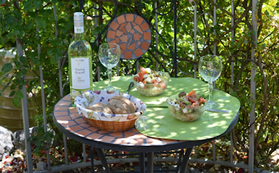 โต๊ะนั่งเล่นในสวน 8