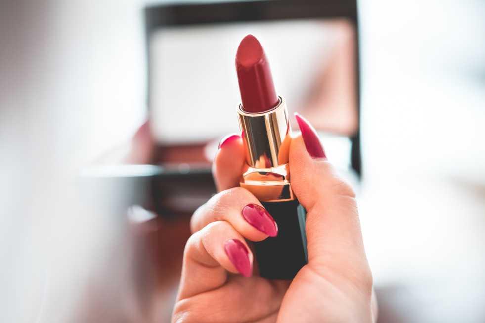 دراسة تسلط الضوء على جانب الجمال الصناعة القبيحة